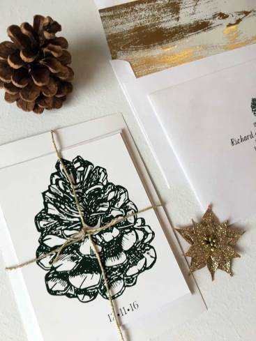 rustic-winter-pine-cone-invitation